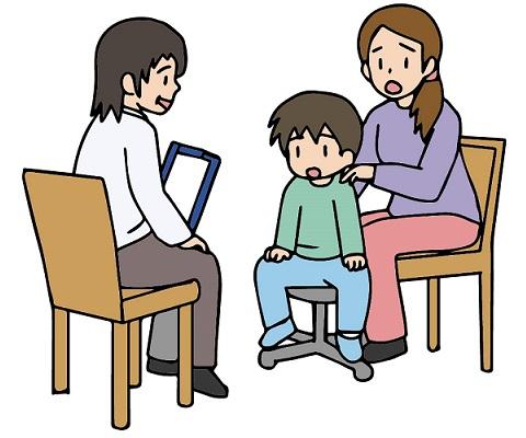 療育相談の小学生と母親